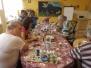 Zajęcia grupowe malowanie odlewów gipsowych